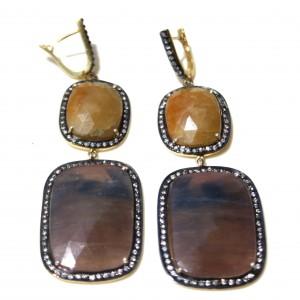 Orecchini di zaffiro marrone, zaffiro giallo, zirconi e argento placcato oro 18kt. Lunghezza