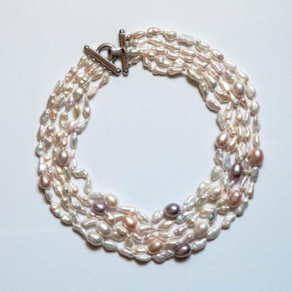collana-a-5-fili-di-perle-di-acqua-dolce-bianche