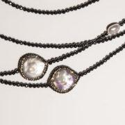 collana-con-ematite-e-perle-di-acqua-dolce-dettaglio